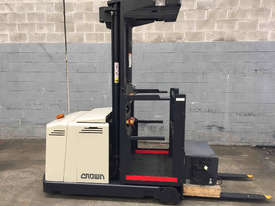 Crown  Stock Picker Forklift - picture0' - Click to enlarge