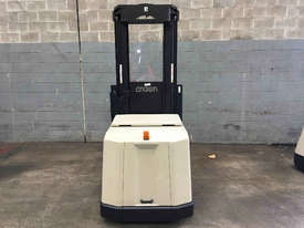 Crown  Stock Picker Forklift - picture3' - Click to enlarge