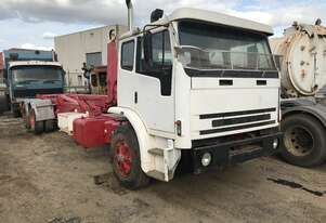 Iveco   2350G Hooklift