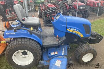 New Holland Boomer 1030 with Mid-Mount Mower