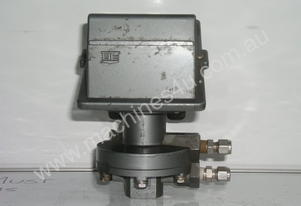 Ue   559 Pressure Switch.