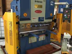 SM-PB40-1320NC2 1320MM X 40TON NC PRESSBRAKE  - picture0' - Click to enlarge