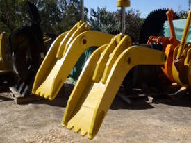 Attachment Thumb Suit 30-40 Ton - picture2' - Click to enlarge