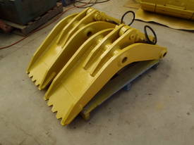 Attachment Thumb Suit 30-40 Ton - picture9' - Click to enlarge
