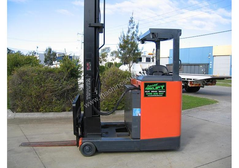 TOYOTA 6FBRE16 Reach Truck with 7.5 mtr lift
