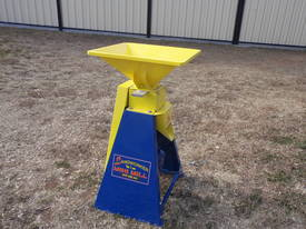 New Grain Roller Mill Horse Cattle Pig Sheep Poultry - picture0' - Click to enlarge