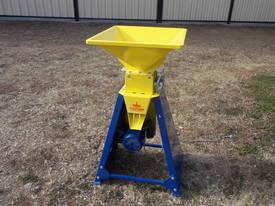 New Grain Roller Mill Horse Cattle Pig Sheep Poultry - picture1' - Click to enlarge