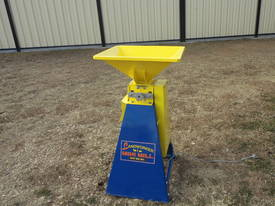 New Grain Roller Mill Horse Cattle Pig Sheep Poultry - picture3' - Click to enlarge