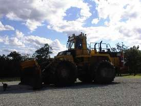 Caterpillar 992T compactor - picture3' - Click to enlarge