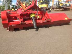 Howard Trimax Warlord S3 235 Tractor Mulcher - picture9' - Click to enlarge