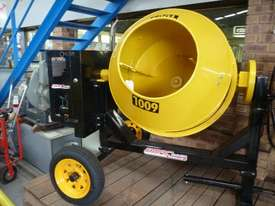 NEW BMAC TOOLS 21 CUBIC Ft DIESEL CEMENT MIXER - picture0' - Click to enlarge