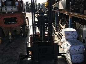 BT walkie stacker - picture0' - Click to enlarge