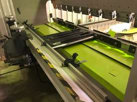 Used Mebusa CNC Hyd Pressbrake - picture4' - Click to enlarge