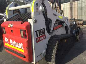 skid steer bobcat - picture2' - Click to enlarge