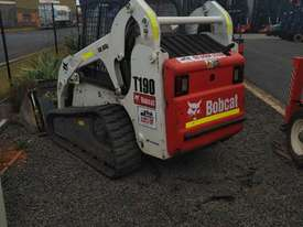 skid steer bobcat - picture4' - Click to enlarge