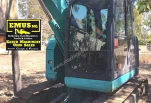 Kobelco SK70SR Excavator with attachments. EMUS NQ