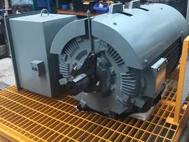 220 kw 300 hp 4 pole 415 volt 315 frame AC Electric Motor - picture3' - Click to enlarge