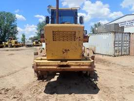 Caterpillar 938F Compactor - picture2' - Click to enlarge