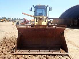 Caterpillar 938F Compactor - picture5' - Click to enlarge