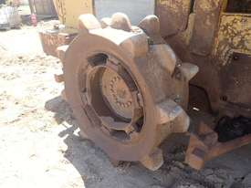 Caterpillar 938F Compactor - picture9' - Click to enlarge