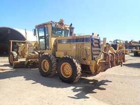 Caterpillar 12H Grader - picture3' - Click to enlarge