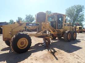 Caterpillar 12H Grader - picture4' - Click to enlarge