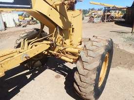 Caterpillar 12H Grader - picture6' - Click to enlarge