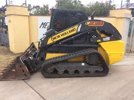 2016 New Holland C238 Track Loader - picture0' - Click to enlarge