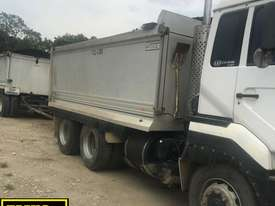 2005 Alloy UD Tandem Tipper, optional Quad Dog.  TS421-1 - picture3' - Click to enlarge