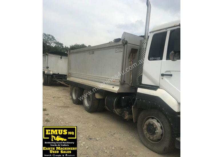 2005 Alloy UD Tandem Tipper, optional Quad Dog.  TS421-1