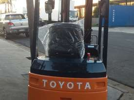 TOYOTA ELECTRIC FORKLIFT 1.8 TON 2017 MODEL BATTERY 5.5M LIFT - picture1' - Click to enlarge