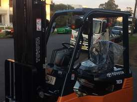 TOYOTA ELECTRIC FORKLIFT 1.8 TON 2017 MODEL BATTERY 5.5M LIFT - picture2' - Click to enlarge