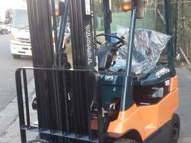 TOYOTA ELECTRIC FORKLIFT 1.8 TON 2017 MODEL BATTERY 5.5M LIFT - picture4' - Click to enlarge
