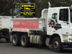 2004 DAF CF-85 Tipper & Tipper Dog Trailer. TS452 - picture3' - Click to enlarge