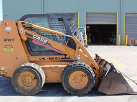 Case 90XT Skid Steer Loader - picture2' - Click to enlarge