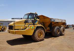 2001 Caterpillar 740 6WD Articulated Dump Truck *CONDITIONS APPLY*