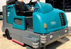 TENNANT M30 SWEEPER / SCRUBBER - GREAT CONDITION !