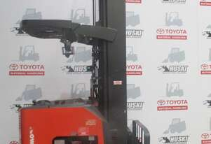 Raymond DR32TT reach truck in good condition