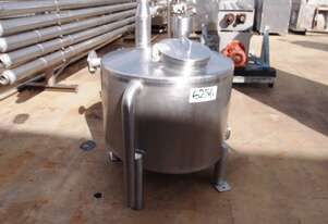 Stainless Steel Storage Tank (Vertical), Capacity: 300Lt