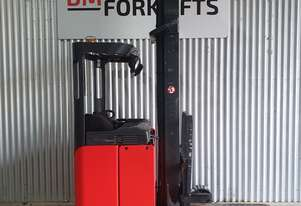 Linde Sit on Reach Truck with brand new Century batteries