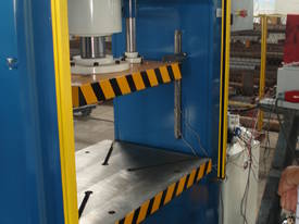 310Ton H Frame Heavy Duty Hydraulic Platen Press - picture13' - Click to enlarge