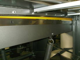 1250mm x 1.6mm 240v Aussie made guillotine  - picture3' - Click to enlarge
