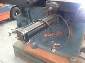 ROBINSON 48 INCH BAND RE SAW - picture12' - Click to enlarge