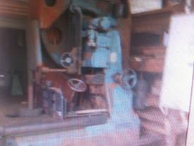 ROBINSON 48 INCH BAND RE SAW - picture3' - Click to enlarge