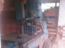 ROBINSON 48 INCH BAND RE SAW - picture4' - Click to enlarge