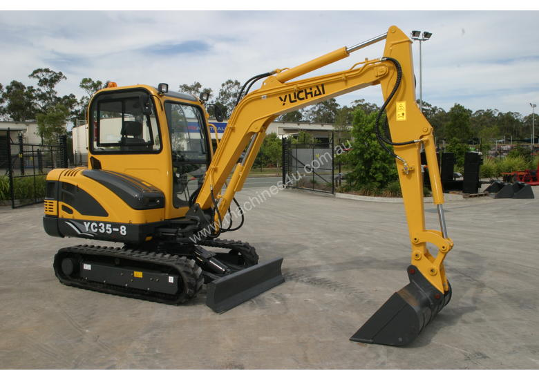 New Yuchai YC35-8 Mini Excavator with A/C Cabin