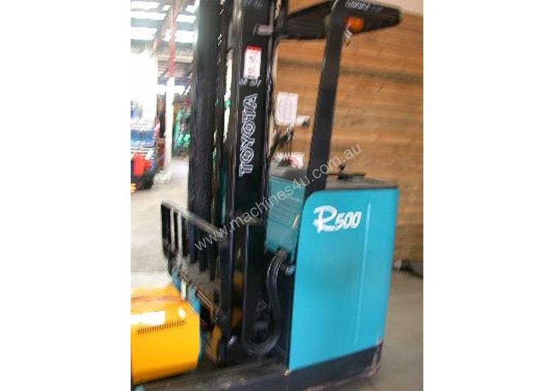 Toyota 1.5 Ton Electric Reach Truck Froklift