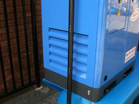 SALE 7.5hp / 5.5kW  Screw Air Compressor Package - picture1' - Click to enlarge