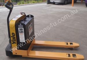 1.8 Tonne Yale Electric Pallet Mover