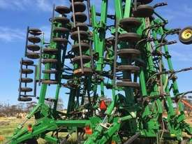 John Deere 1830 Air Seeder Seeding/Planting Equip - picture0' - Click to enlarge